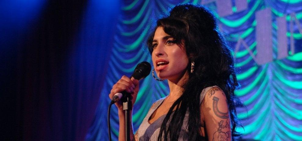 Amy Winehouse, Ed Sheeran & co.: le storie segrete dei tatuaggi delle star