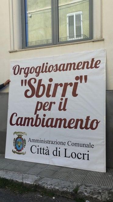 Locri, scritte contro la legalità e Don Ciotti