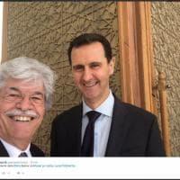 Siria, Antonio Razzi e il selfie con Assad: il senatore a Damasco con una commissione russo-europea