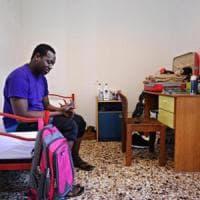 Migranti, un rifugiato in casa: la carica delle 500 famiglie che accolgono