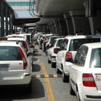 Taxi-Uber, continua il braccio di ferro. Il Mit studia nuove regole, convocati i sindacati