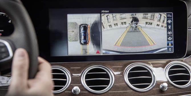 Mercedes, dallo smartphone alla strada. Ecco il nuovo corso