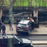 Londra, attacco a Westminster: il fotoracconto