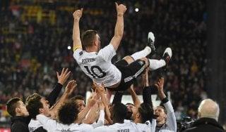 Amichevoli, Podolski decisivo nella gara d'addio alla Germania: Inghilterra ko 1-0