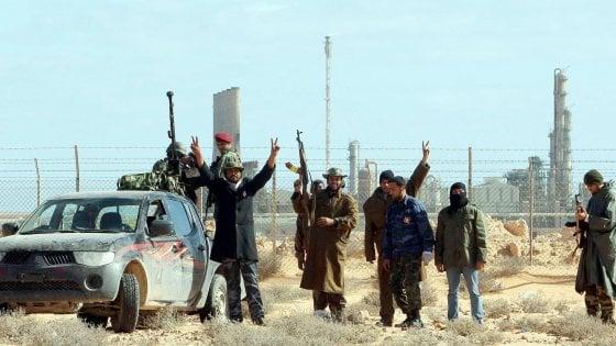 Libia, le torture dei soldati di Haftar,  massacrato il corpo di un capo islamista
