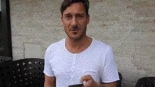 """""""Totti confessa: sono della Lazio""""#Bastabufale, parola di capitano"""
