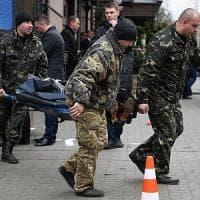 """Ucraina, ucciso politico russo anti Putin. Poroshenko accusa Mosca: """"Terrorismo di Stato"""""""