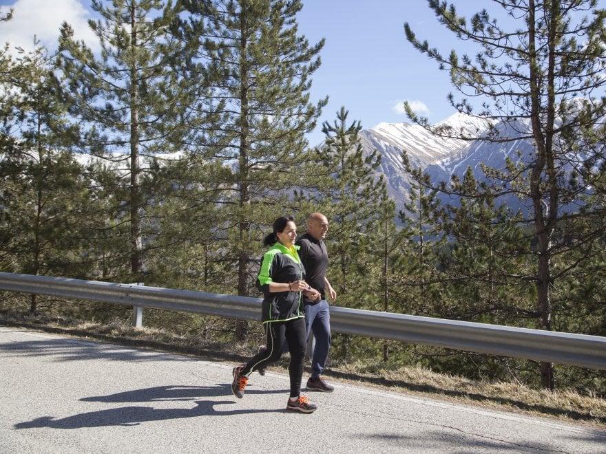 """La corsa dei Serafini, una casetta donata e un'ora di jogging: """"Così ripartiamo ad Amatrice"""""""