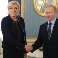 Mosca, incontro a sorpresa al Cremlino fra Putin e Marine Le Pen