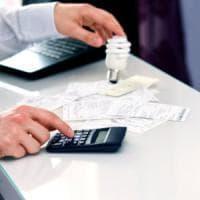 Torna l'ora legale: da domenica per sette mesi gli italiani risparmiano 104 milioni di...