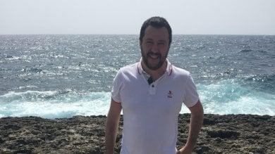 """Salvini a Lampedusa: """"Inutile brindisi   foto   all'Europa, serve Italia che difenda confini"""""""