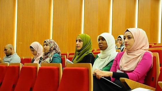 La scuola di fisica in Palestina, con l'appoggio di Hawking