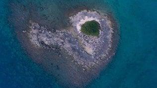 Scoperto in Salento un isolotto a forma di cuore