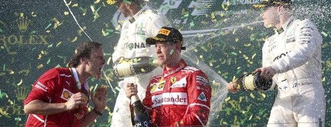 A Melbourne è trionfo Ferrari: vince Vetteldavanti alle Mercedes di Hamilton e Bottas