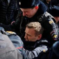 Mosca, proteste anticorruzione: Alexei Navalny fermato dalla polizia