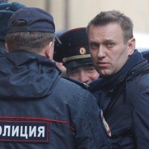 """Arresto Navalny, Tweet e selfie dal tribunale del blogger anti Putin: """"Un giorno noi giudicheremo loro"""""""