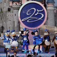 Disneyland compie 25 anni, grande festa: John Legend  in concerto e nuovo spettacolo pirotecnico