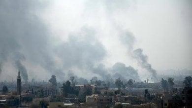"""Mosul,  """"Centinaia di civili uccisi  da attacchi aerei Usa  Avevano detto loro di non lasciare la città"""""""