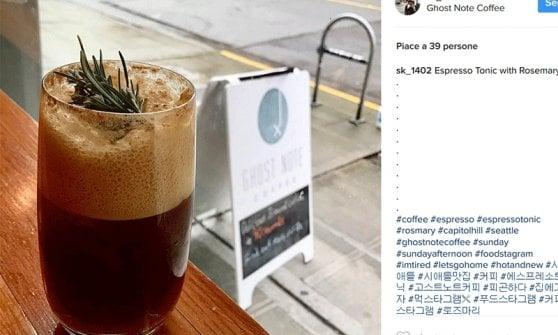 Espresso Tonic: la nuova tendenza per godersi il caffè passa da Instagram