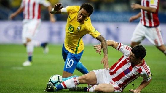 Mondiali, Neymar porta il Brasile già in Russia