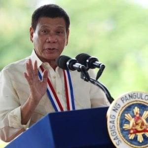 """Filippine: Duterte il carnefice, """"Ma lui parla con Dio"""""""