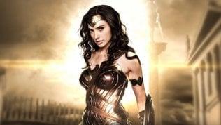 """Sul set di 'Wonder Woman', il film""""non femminista"""" fatto da donne"""