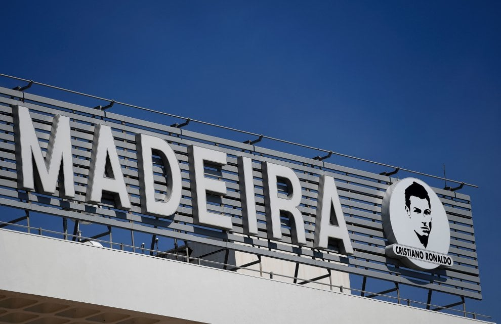 Aeroporto Cristiano Ronaldo : Madeira l aeroporto cambia nome ora si chiama cristiano