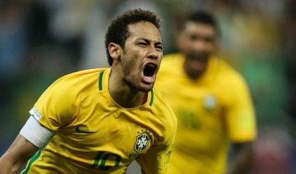 Neymar porta il Brasile al Mondiale   foto
