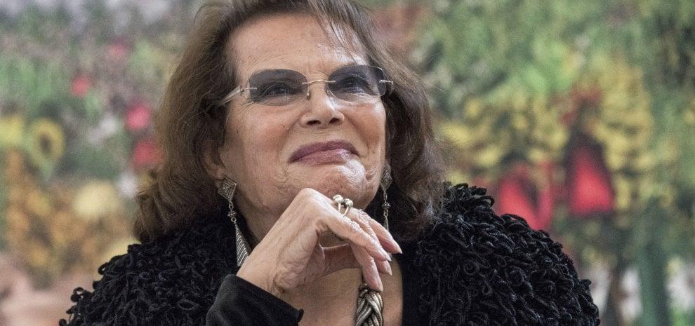 """Cardinale sul ritocco: """"Sono femminista ma non mi indigno. È solo cinema"""""""