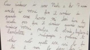 """Bimba di 7 anni scrive a Decaro: """"Farò la sindaca, è difficile?"""""""