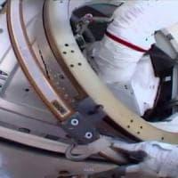 Due astronauti perdono un pezzo dello scudo termico della Stazione Spaziale