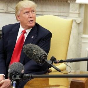 Usa, Trump firma due ordini esecutivi che lanciano l'offensiva protezionista