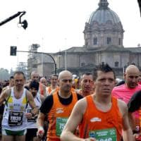 Maratona a Roma e Milano, i pro e contro del podismo per la salute