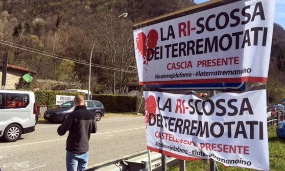 Terremoto: manifestanti bloccano Salaria con trattori