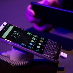 """Roaming cellulari, la Commissione Ue: """"Rischio rinvio solo per operatori minori"""""""