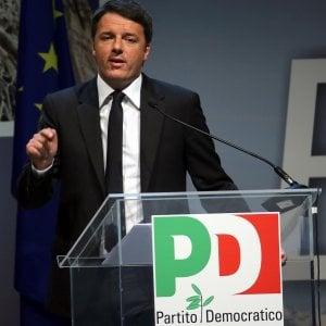 """Pd, il voto dei circoli: affluenza supera il 59%. Renzi è primo con il 68%: """"Chi vince vince, chi perde lo ammetta"""""""