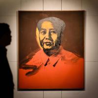 Hong kong, venduto all'asta il Mao di  Andy Warhol per 12,7 mln di dollari