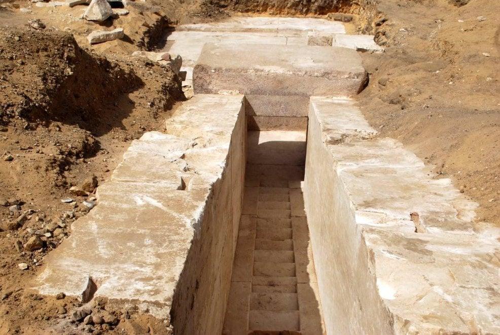 Egitto, tornano alla luce i resti di una piramide di 3700 anni