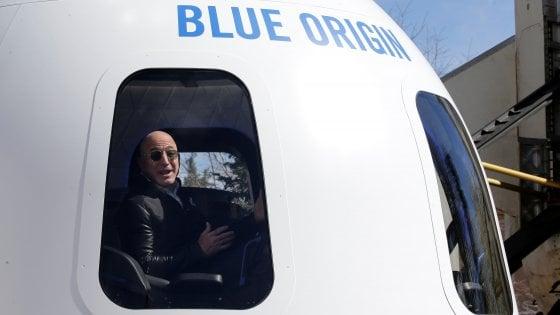 Amazon vale lo spazio: Jeff Bezos venderà le azioni per Blue Origin