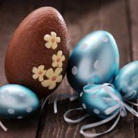 Tutti pazzi per l'uovo di Pasqua, bastano 25 secondi per resistere alla voglia di...