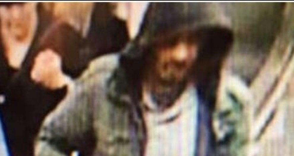 Attacco a Stoccolma, le foto di un ricercato diffuse dalla polizia