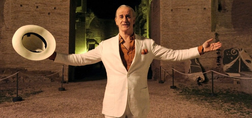 """Paolo Sorrentino, dopo il Papa un film su Berlusconi: """"Il potere, una delle tentazioni più forti del genere umano"""""""
