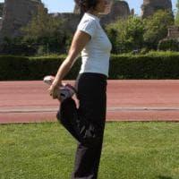 Yoga e corsa: le posizioni per scaldare, allungare, potenziare i muscoli e migliorare la postura