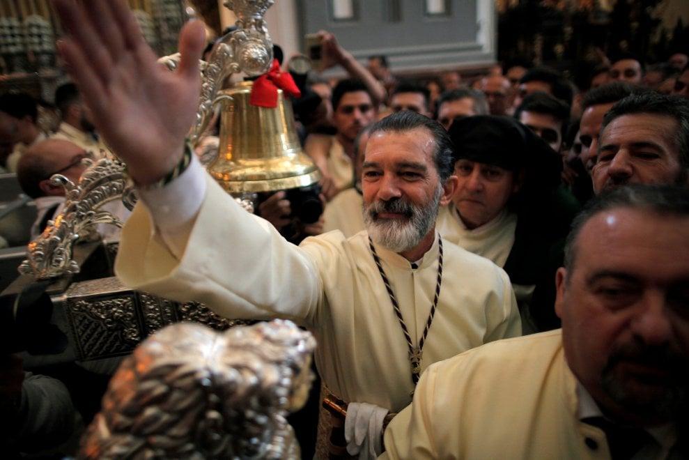 Antonio Banderas, dopo l'infarto in processione per la domenica delle Palme