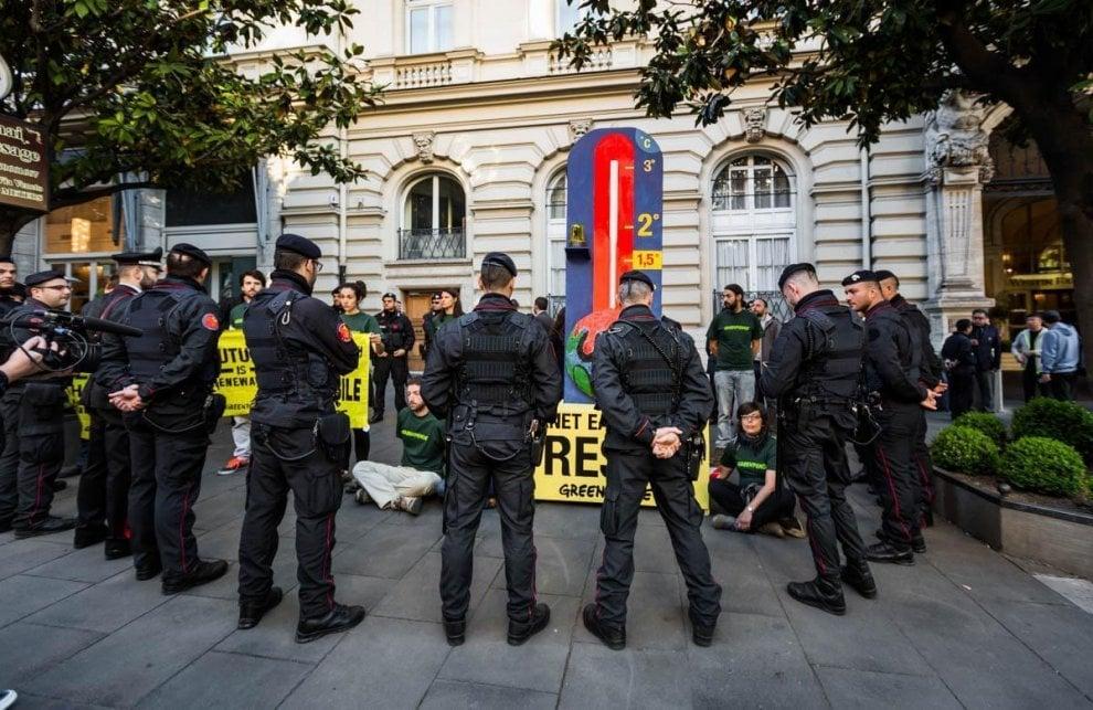 G7 Energia, Greenpeace: un termometro gigante per ricordare gli accordi sul clima
