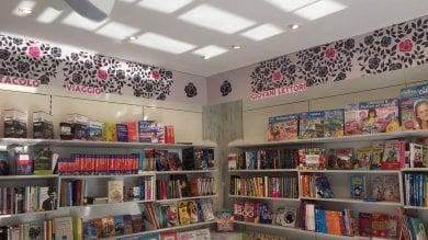 #Bookshelfie , fotografa  il tuo scaffale   il contest con i lettori   di MICHELE SMARGIASSI
