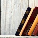 #Bookshelfie, per Robinson la foto del tuo scaffale di libri preferiti