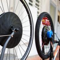 E-bike, il motore nella ruota. Pedalata facile e hi-tech