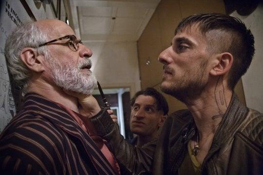 'Lasciati andare', la commedia italiana fa il verso a quella Usa