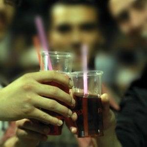 Alcol ogni giorno per il 21% degli italiani  Si comincia a undici anni